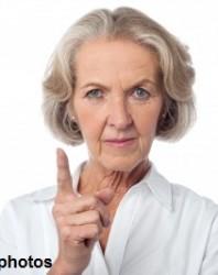 אישה מבוגרת נו נו נו